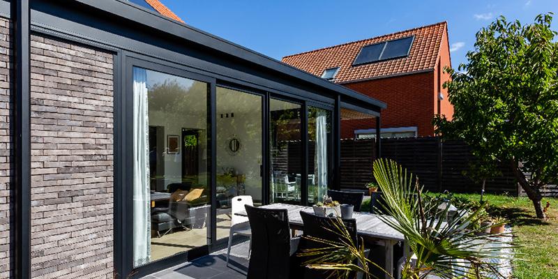 systèmes menuiseries, toitures et vérandas, fenêtres et coulissants, pergolas et carports, accessoires...
